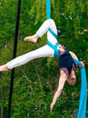 danza aérea de telas en Cuenca